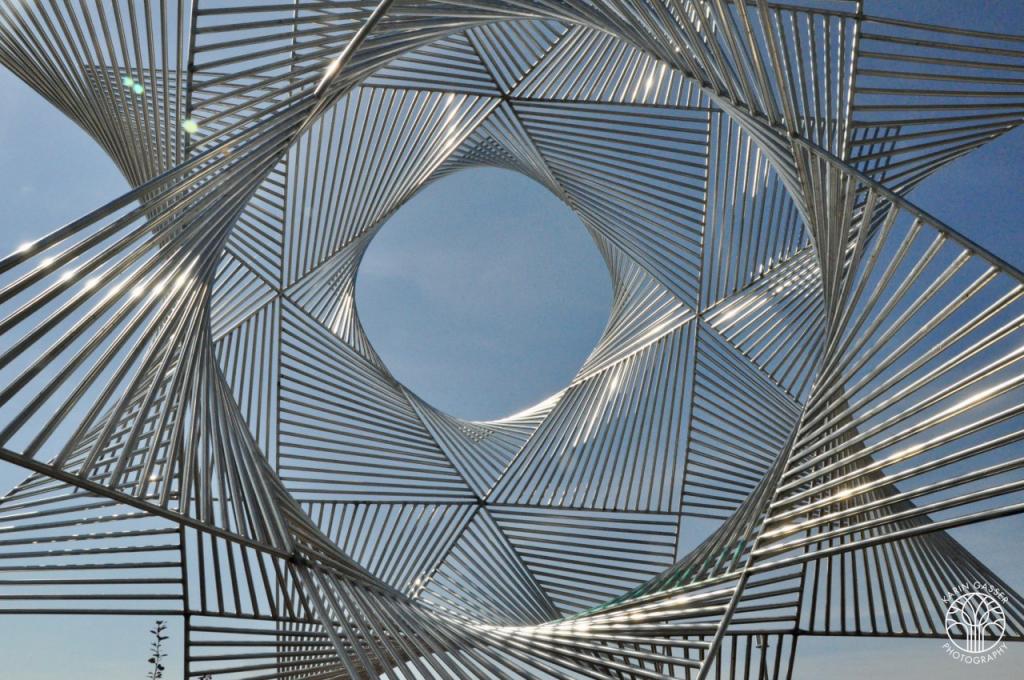 Lausanne Skulptur am See (0127)